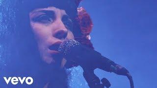 Download Lagu Mon Laferte - Tu Falta De Querer (En Vivo) Gratis STAFABAND