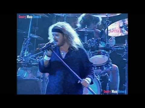"Lynyrd Skynyrd ""What's Your Name"" (Live)"