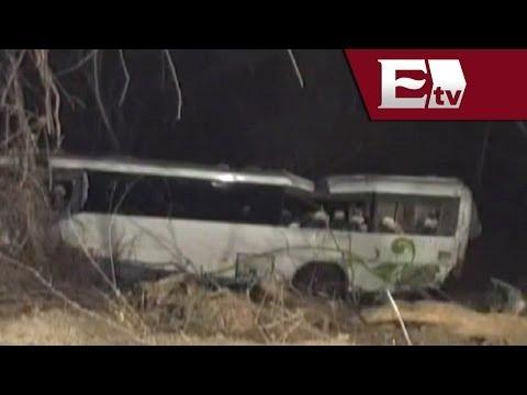 Vuelca autobús con estudiantes a barranco en Taxco, Guerrero/ Titulares de la tarde