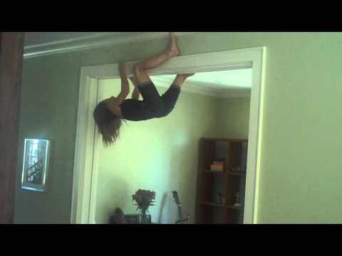 SPIDER GIRL: INCREDIBLE CLIMBING BY A 9yr OLD