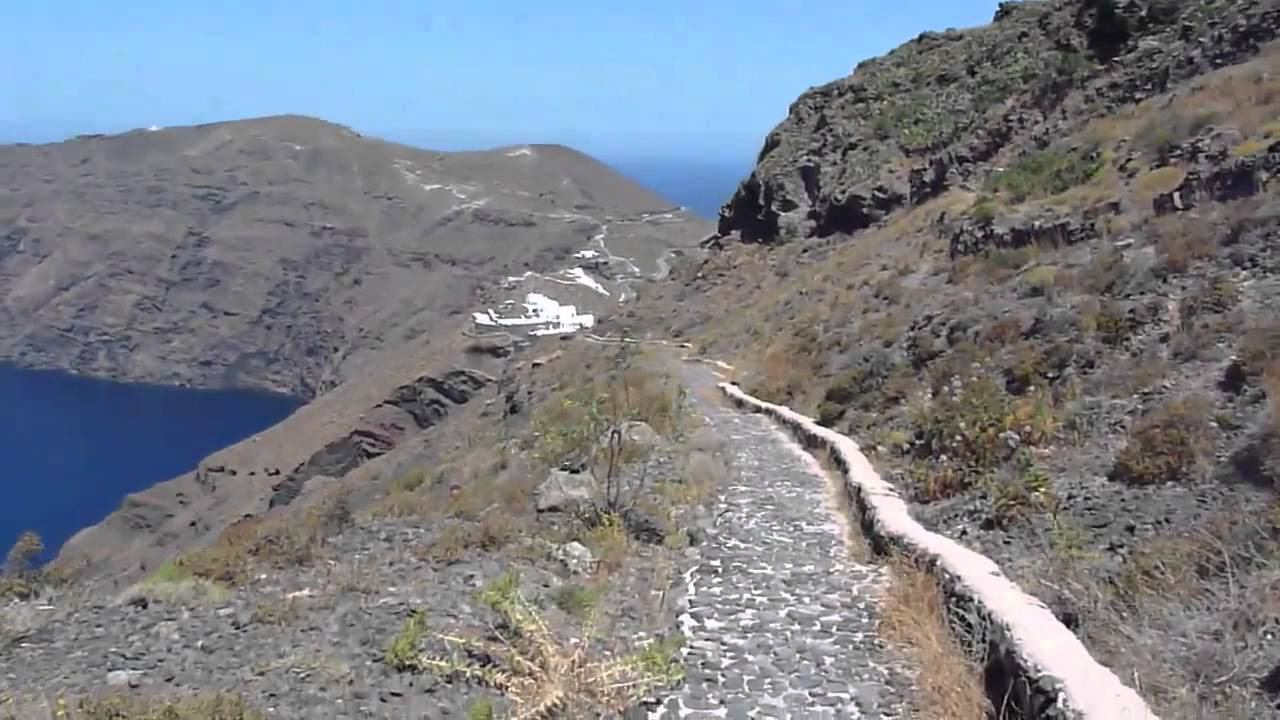 Santorini - a scenic hike along the caldera from Fira to ...