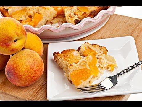 Персиковый коблер. Пирог с персиками рецепт. Персиковый пирог-десерт.