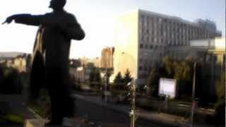 AR.Drone 2,0 around Lenin.mp4