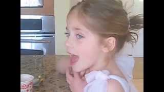 Download Lagu Brynn C (age 4) - Adorable rendition of Garth Brooks, Two Pina Coladas Gratis STAFABAND