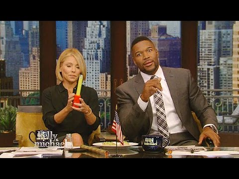 Kelly Ripa Says 5.5 Inches Is Too Small...For A Phone! | What's Trending Now!