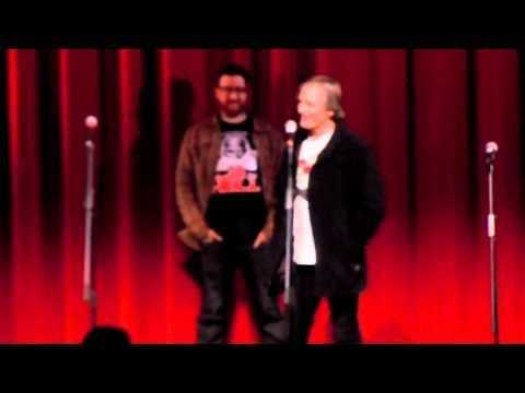 Viggo Mortensen singing!