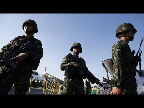 Thai army summons politicians to Bangkok