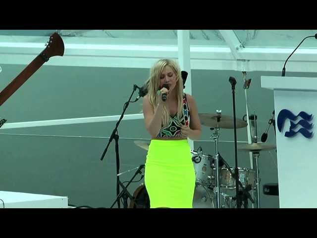 Natasha Bedingfield sings at the naming of the Royal Princess cruise ship