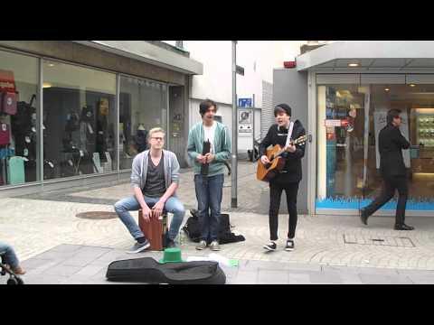 Ein Kompliment (cover) - Straßenmusiker in Aschaffenburg