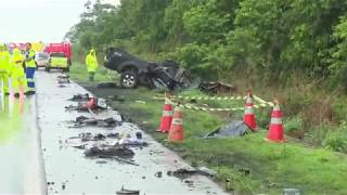 27/10/17 Colisão entre caminhão e carro deixa três vítimas fatais na BR-163