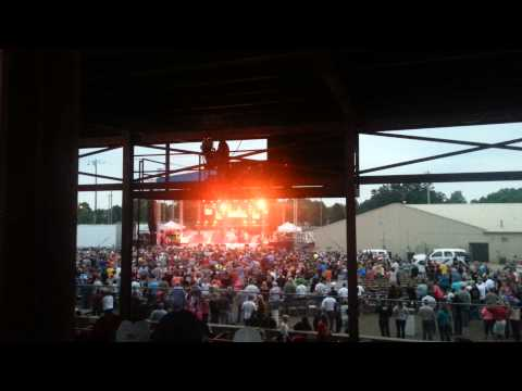 George Thorogood & the Destroyers 07 11 14 Delaware County Fair Manchester, IA