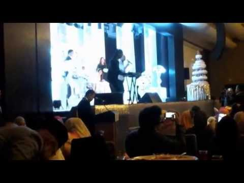 Live Alasan Untuk Bahagia by Asfan Shah ft Ayie Azrie