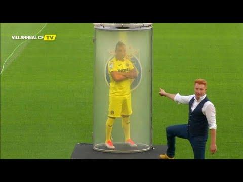 Villareal'in yeni transferi taraftarlara sihir gösterisi ile tanıtıldı
