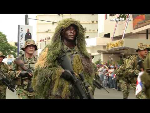 4 de Noviembre en Panamá: Desfile de la Policía Nacional por LatinOL.com