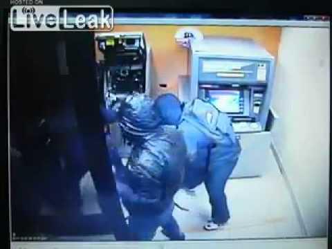 Посмотреть ролик - Ролик: Взлом банкомата видео ютуб как быстро взломать ба