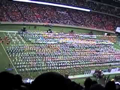 All Marching Bands That Participated In The Honda Battle Of The Bands 2011 Played Together For A Hollywood Tribute.