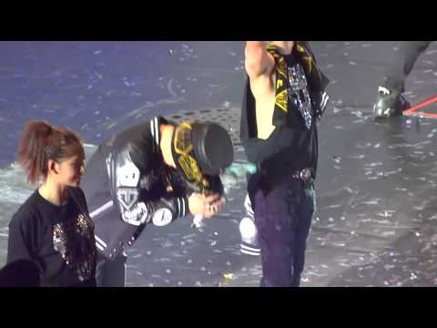 [Fancam] 12.12.14 Cute Funny Daesung and Todae moment @Wembley London [HD]