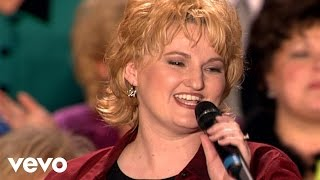 Bill & Gloria Gaither - Go Tell [Live] ft. The Martins