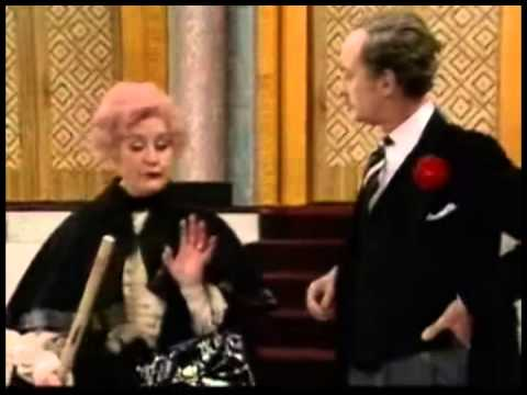 Frank Thornton, Mollie Sugden, John Inman, Wendy Richard remember Are You Being Served?