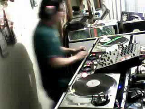 Hard House 90's DJ Venny Mezclando en vivo en Junkie's 11-10-2013