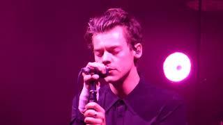 "download lagu Harry Styles Chicago ""Angel"" & ""Woman"" 09/26/2017 LIVE gratis"
