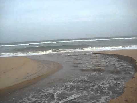 SEA BEACH EAST COAST OF INDIA PURI ORISSA 004