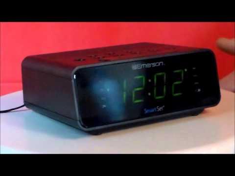 emerson research smartset self setting alarm clock. Black Bedroom Furniture Sets. Home Design Ideas