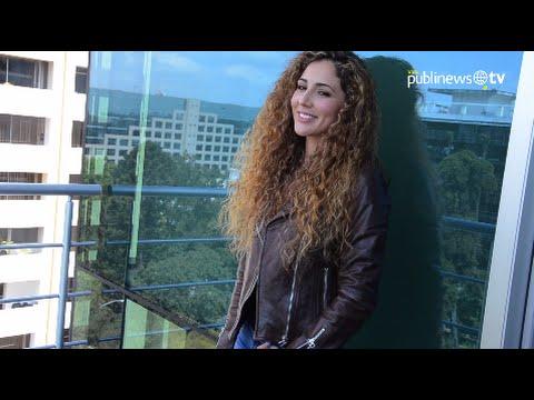 La sensual Lorena Pinot vuelve a sus raíces con nuevo proyecto
