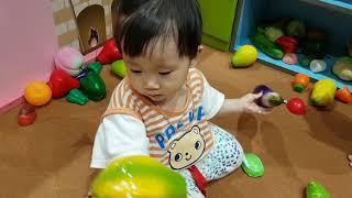 Đồ chơi em bé | Bé Ten chơi trò bán hoa quả