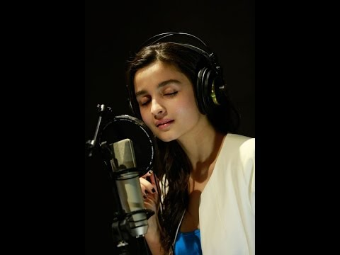 Alia Bhatt Sings a Song | Mahesh Bhatt Shocked
