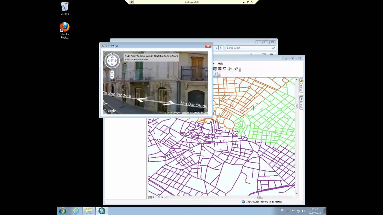 how to add compass to arcgis