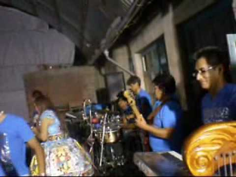 Dina Paucar en Huariaca con MuñeQuito Jhonatan y Kenny Vargas
