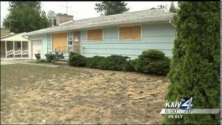 Residents fed up with condemned problem house