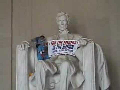 Fathers-4-Justice Plays The Lincoln Memorial Video