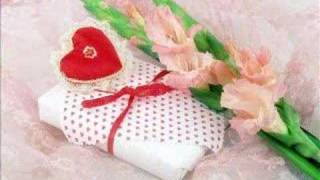 Watch Lam Truong Nho Em video