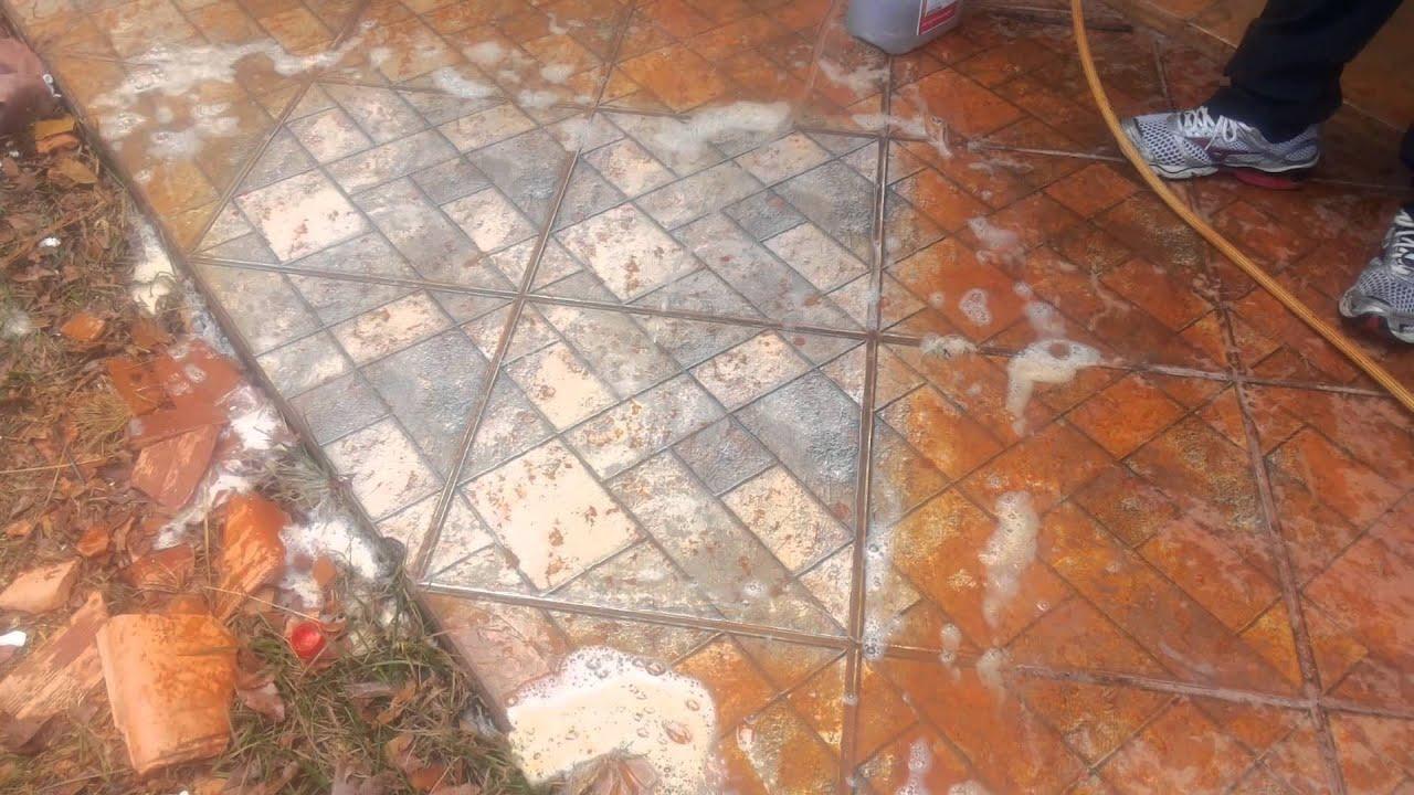 Como desencardir pisos cerâmicas antiderrapantes ( amostra em pisos  #A0412B 1920x1080 Azulejo De Banheiro Como Limpar