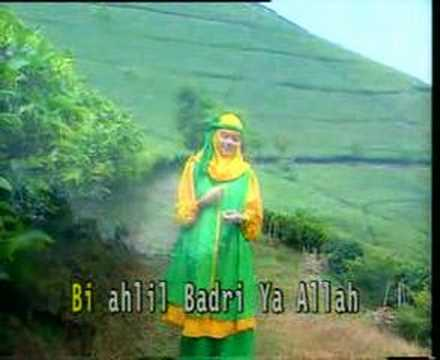 Arabic Songs: Salawat Badar video