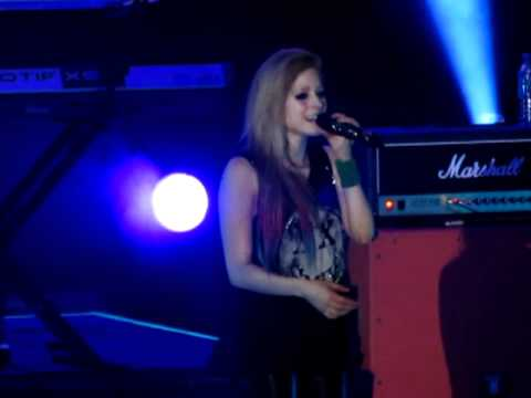 wish You Were Here - Avril Lavigne Live In Manila! (2 16 12) [hd] video