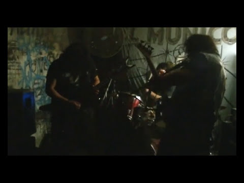 Traumatismo de Kraneo- Critical Mass (Nuclear Assault Cover) En