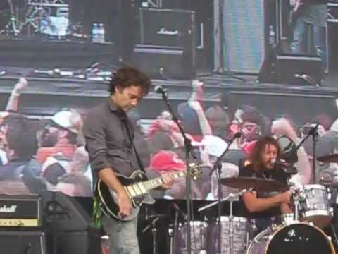 Spiderbait - Black Betty (LIVE at 2012 Clipsal 500)
