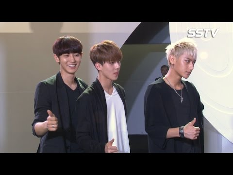 [SSTV] 엑소(EXO), 런웨이도 장악한 존재감! '훈남들의 패션쇼 무대'