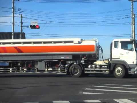 トレーラー 26KLタンクローリー 共栄ロジック... UDトラックスクオンヘッド+ENEOSタ