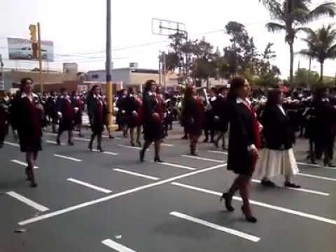 Desfile del colegio Nuestra señora del Rosario♥ chiclayo 2014 BR♥