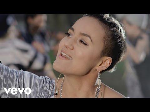Sandhja Sing It Away pop music videos 2016