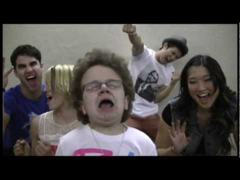 Don't Stop Believin' with (Me & Glee's Dianna Agron, Darren Criss, Jenna Ushkowitz, Harry Shum, Jr)
