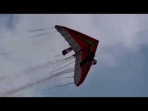 2009 Abbotsford Airshow - Harvard F18 High Alpha Pass - Stunt plane chases Hanglider