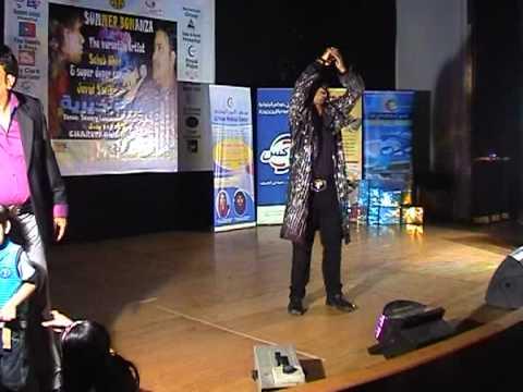 Apni tu jaise taise- Lawaris(Kishore kumar)by Bollywood Singer...
