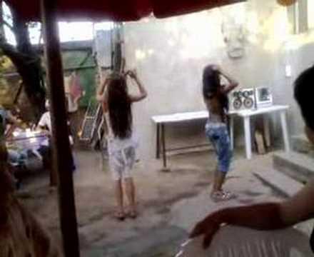 danseaza pe manele