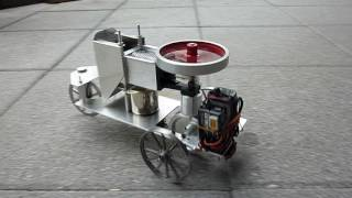 Ferngesteuertes Modellfahrzeug mit Stirling Antrieb (RC model vehicle with stirling engine)