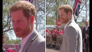 No Meghan! Prince Harry jokes with marathon volunteers at London Marathon 2018